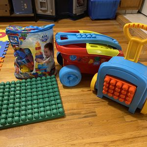 Mega Bloks builders Set for Sale in Queens, NY