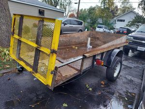 2007 5x10 Trailer clean title everything is in good condition has the ramp as you can see in picture muy buenas condiciones se sube y baja rampa for Sale in West Chicago, IL