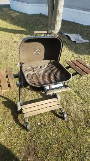 Charcoal BBQ Grill for Sale in Troy, MI