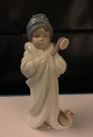 Lladro Handmade Porcelain Figurine for Sale in Glendale, CA