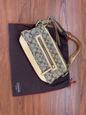 Authentic Coach Purse in great condition for Sale in Castro Valley, CA
