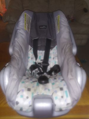 Infant/baby car seat for Sale in Lakewood, WA