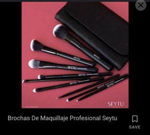 Makeup brushes for Sale in Santa Fe Springs, CA