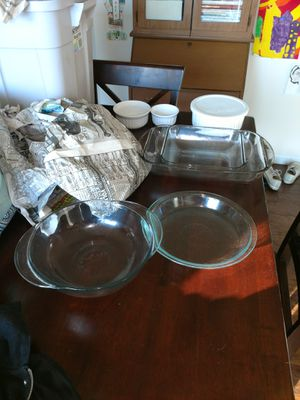 I have a full set of Corning Ware cookware and Pyrex glass dishes and neead to sell fast.. for Sale in St. Louis, MO