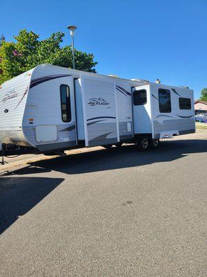 Jayco Jay flight 29 foot camper trailer for Sale in Galt, CA