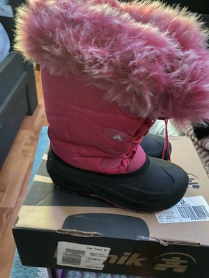 Snow boots for girls size 3 for Sale in Santa Ana, CA
