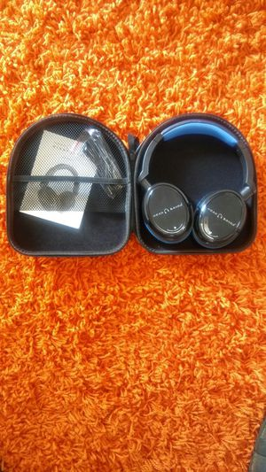 Bluetooth Headphones 16 h battery life for Sale in Smyrna, TN