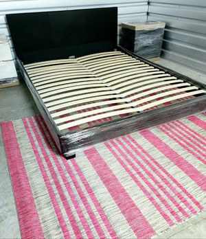 🌈NEW QUEEN PLATFORM BED FRAME, mattress and night stands sold separately for Sale in Boynton Beach, FL