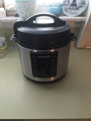 Crock pot instant pot never used for Sale in Bernville, PA