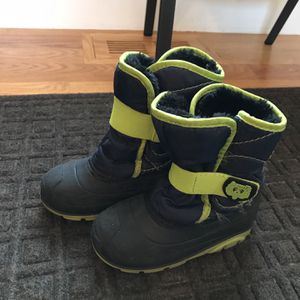 Snow Boots Boy Size 10 for Sale in Needham, MA