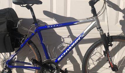 Schwinn Mesa Adult Mountain Bike for Sale in Byron,  CA