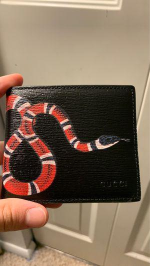 Gucci wallet for Sale in Manassas Park, VA