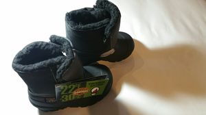 Tundra Snow Boots(new with tag, little kids size 7) for Sale in Jupiter, FL