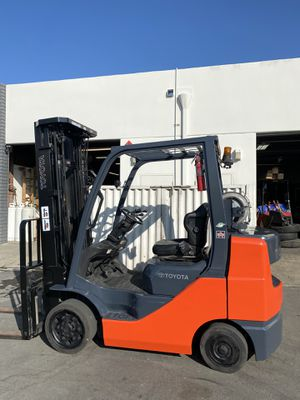 2016 Toyota Forklift 6000 LB 8FGCU30 LOW HOURS for Sale in Anaheim, CA
