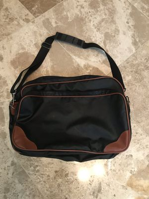 Work bag, small duffle bag, messenger bag for Sale in Corona, CA