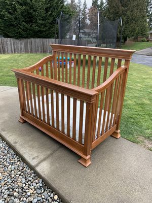 Convertible baby crib to double bed for Sale in Puyallup, WA
