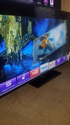 "55""Vizio Led HD 1080p Smart TV wi-fi clear 120hz Model E550I-B2 for Sale in San Jose, CA"