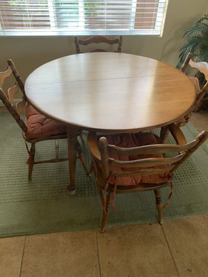 Kitchen maple table and 4 chairs for Sale in Vallejo, CA
