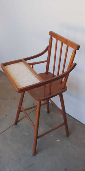 Antique high chair for Sale in Chesnee, SC