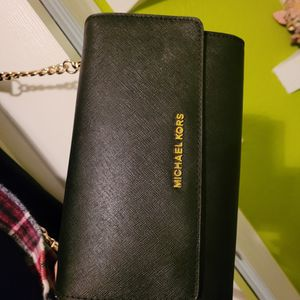 Michael Kors Crossbody Purse for Sale in Fresno, CA