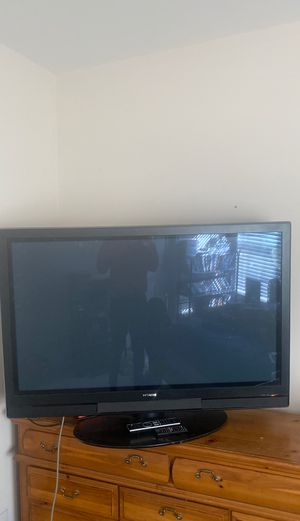'50 inch Hitachi HDTV w/ remote. Need Gone Today!!! for Sale in College Park, GA