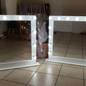 XL Makeup Vanity Mirror 37x42 with Dimmer and Bulbs for Sale in Moreno Valley, CA