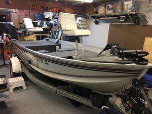 Alumacraft Lunker V-16 Bass Boat for Sale in Chesapeake, VA