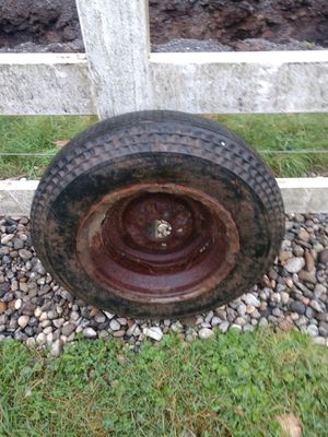 Free tire perfect for a tire swing for Sale in Lake Stevens, WA