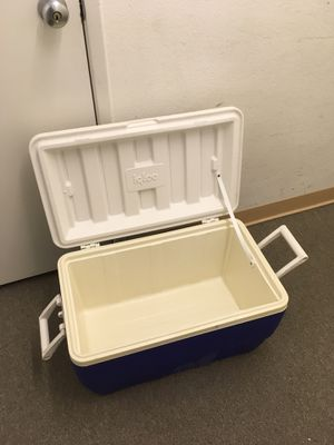 Igloo Cooler (large) for Sale in Torrance, CA