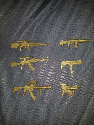 Early 2000s toy guns for action figures for Sale in Azusa, CA