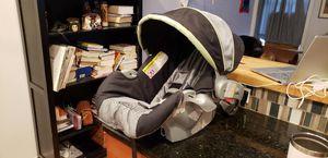 Graco infant snugride car seat for Sale in Philadelphia, PA