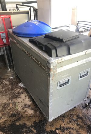 Empty wooden box with wheels for dj for Sale in Longview, TX
