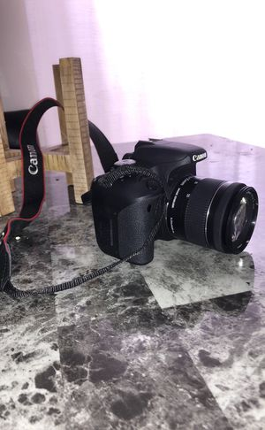Canon EOS T7i camera great condition for Sale in Delaware, OH