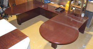 U-shaped wood desk for Sale in Miami, FL
