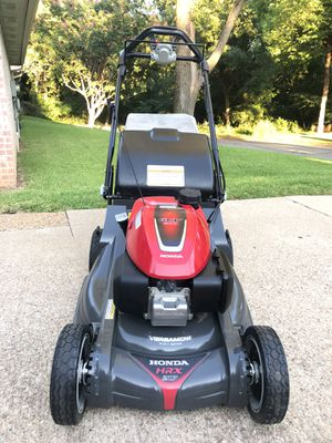 "Honda HRX217VKA (21"") 200cc Select Drive™ Self-Propelled Lawn Mower for Sale in Arlington, TX"
