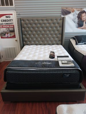 Ashley B650 Queen Diamond Bed Frame for Sale in Parma Heights, OH