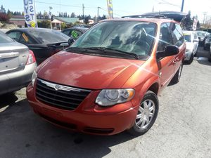 NICE minivan* 2006 CHRYSLER Town & Country Touring for Sale in Everett, WA