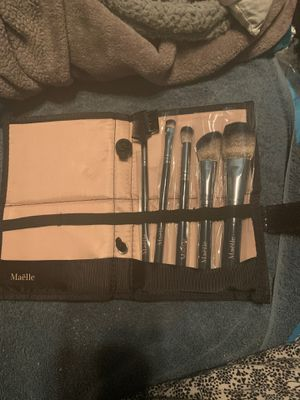 Maëlle Makeup Brush Set for Sale in Fullerton, CA