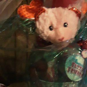 Girls Valentine Baskets.. 1 Bear..1 Troll Headband..12 Mixed Suckers..play Ring.. 12 Oz Mixed Candy..etc for Sale in Flint, TX