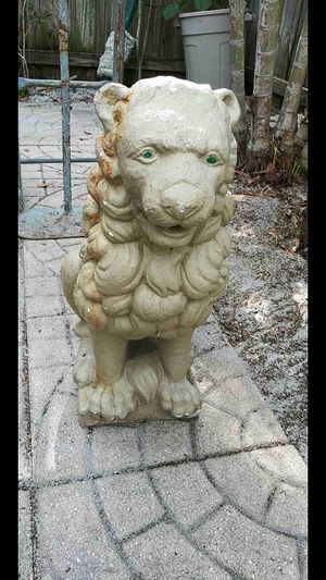 $75 ( VINTAGE CONCRETE LION ) for Sale in Lake Worth, FL