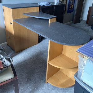 Desk w/Storage Tower & File Drawer for Sale in Buffalo Grove, IL