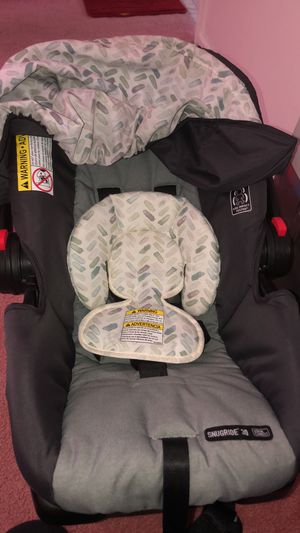 Graco infant car seat for Sale in Lawrenceville, GA