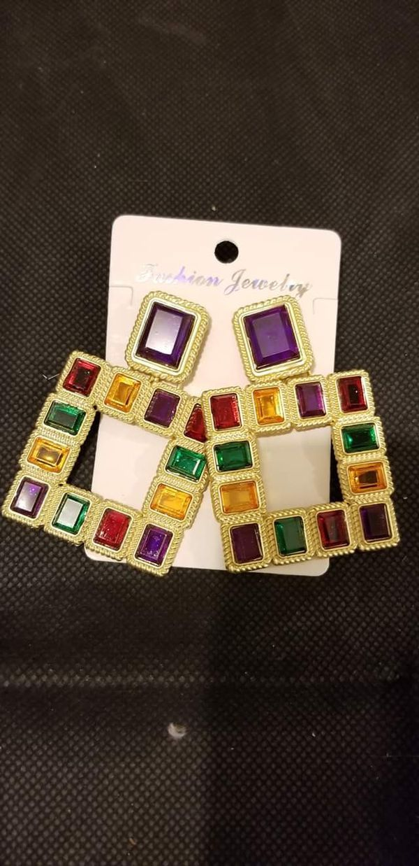 COLOURFUL VINTAGE EARRING