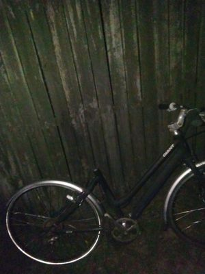 Giant Hybrid Bicycle for Sale in Thonotosassa, FL