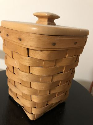 Longaberger Small Spoon Basket-Incl Lid & Insert for Sale in New Britain, PA