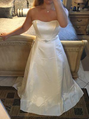Ivory, White Satin Wedding Dress for Sale in Venice, FL