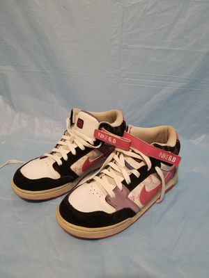 Nike 6.0 size 7Y basketball multi color pink white black for Sale in Riverbank, CA