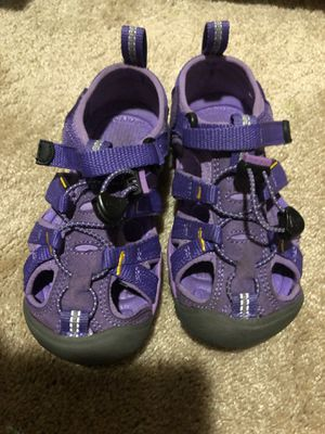 Keen toddler girls purple water shoes in Ultra Violet size 10c for Sale in Loma Linda, CA