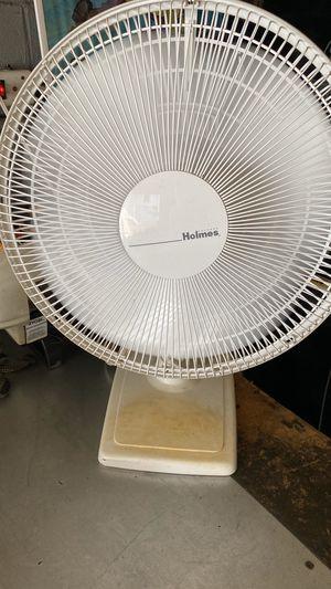 Nice large desktop fan for Sale in Everett, MA