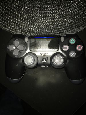 PlayStation 4 controller for Sale in Brooklyn Park, MD